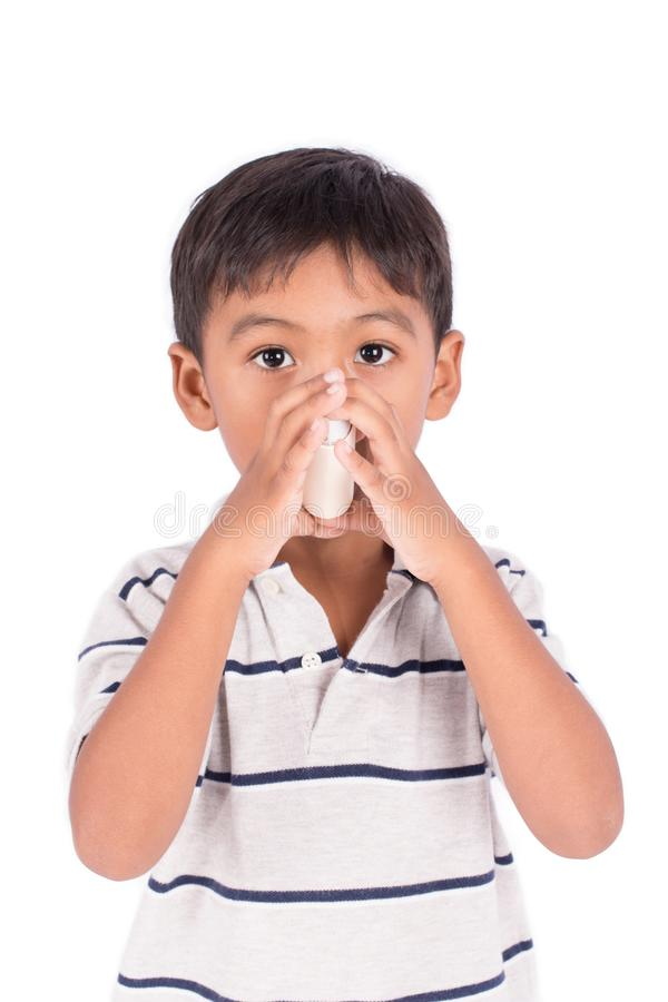 Leuk heeft weinig Aziatische jongen zieken stock fotografie