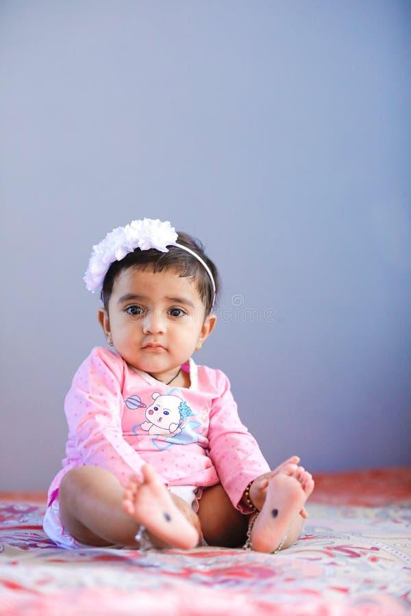 Leuk Indisch babymeisje stock fotografie