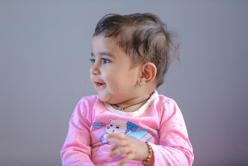 Leuk Indisch babymeisje stock foto
