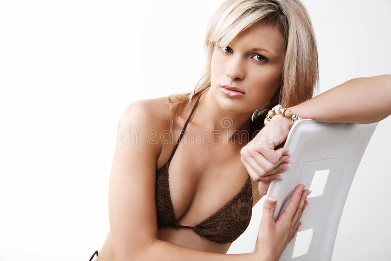 Leuk meisje in bikini. stock foto's