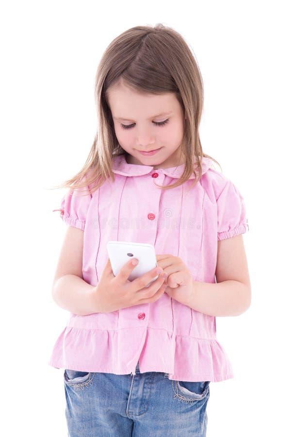 Leuk meisje die slimme die telefoon houden op wit wordt geïsoleerd royalty-vrije stock fotografie