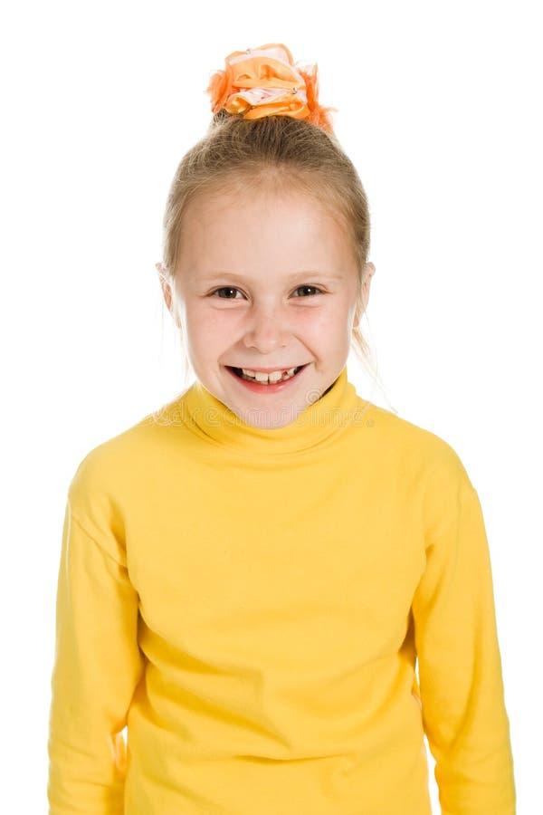 Download Leuk Meisje In Het Gele Lachen Stock Afbeelding - Afbeelding bestaande uit vreugde, levensstijl: 29503211
