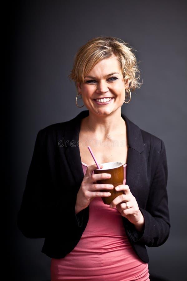 Leuk meisje met koffiekop royalty-vrije stock foto's