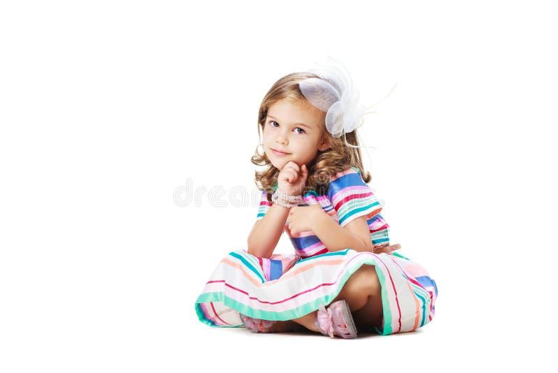 Leuk meisje op de vloer stock afbeeldingen