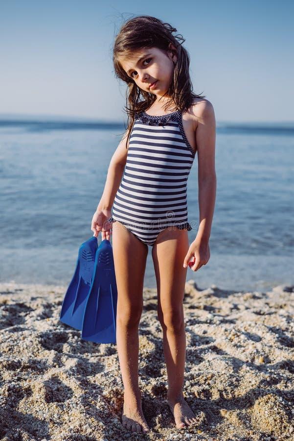 Leuk meisje op het strand royalty-vrije stock foto's