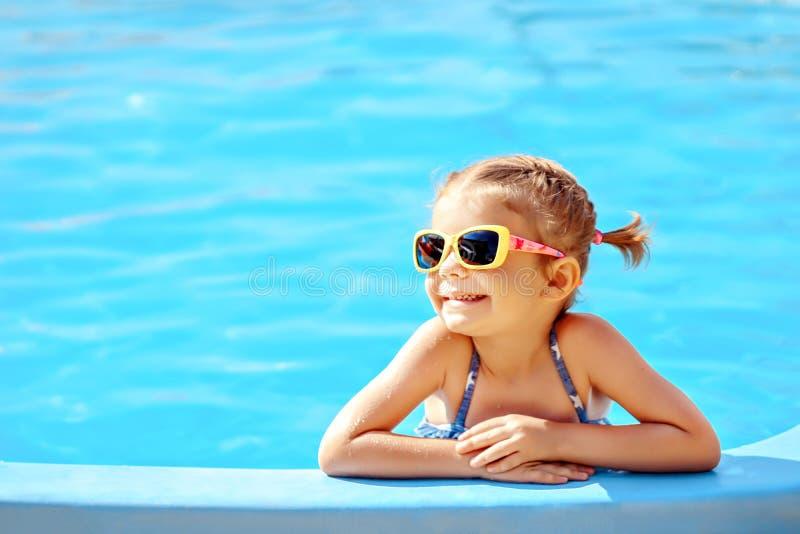 Leuk meisje in pool royalty-vrije stock foto