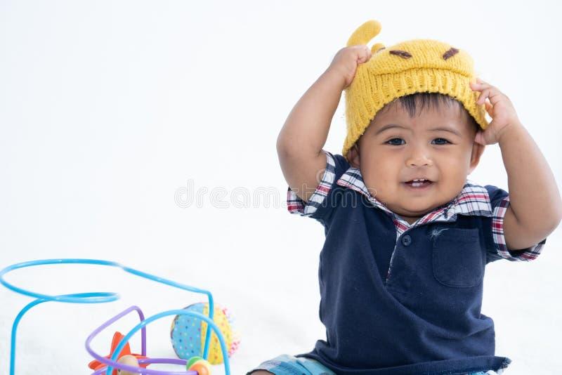Leuk weinig Aziatische babyjongen stock foto