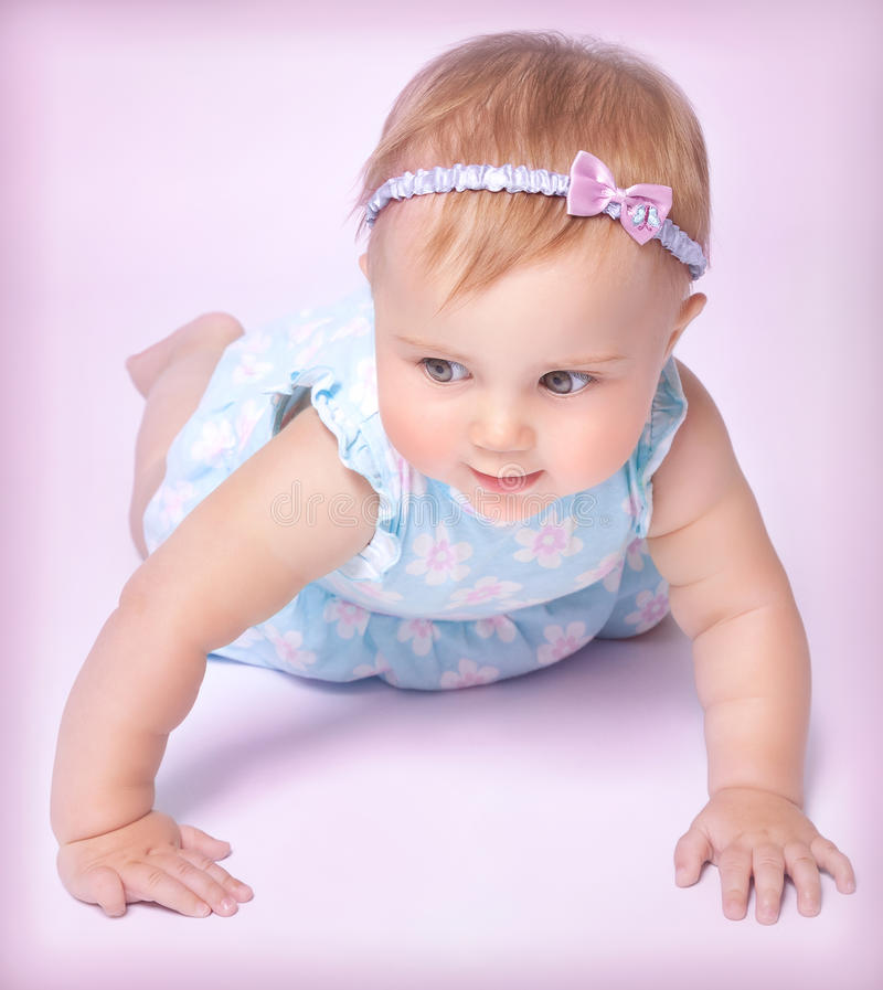 Leuk weinig babymeisje stock afbeelding