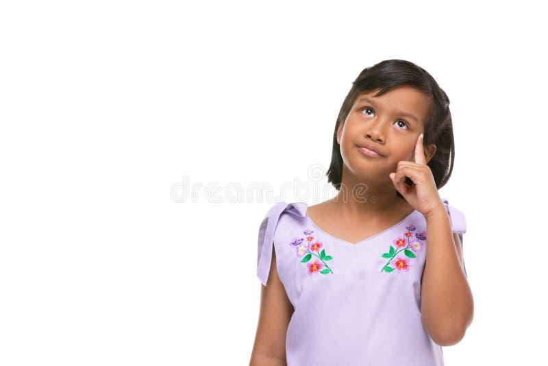 Leuke Aziatische donkere meisje het denken emotie op gezicht stock fotografie