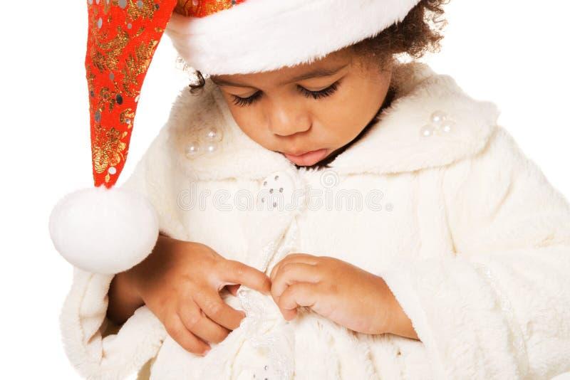 Leuke baby in de hoed en het bont van Kerstmis royalty-vrije stock afbeelding
