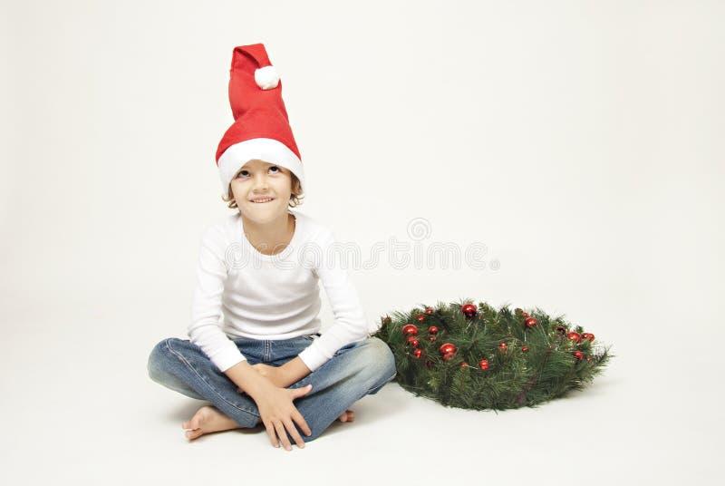 Leuke jongen met Kerstmis GLB royalty-vrije stock afbeeldingen