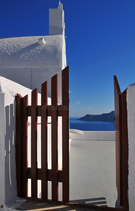 Leuke kapel in Santorini, Griekenland stock foto