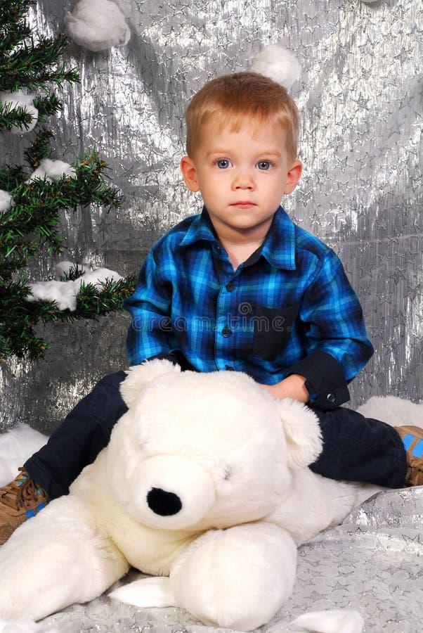Leuke Kerstmis van het jongensjonge geitje stock afbeelding