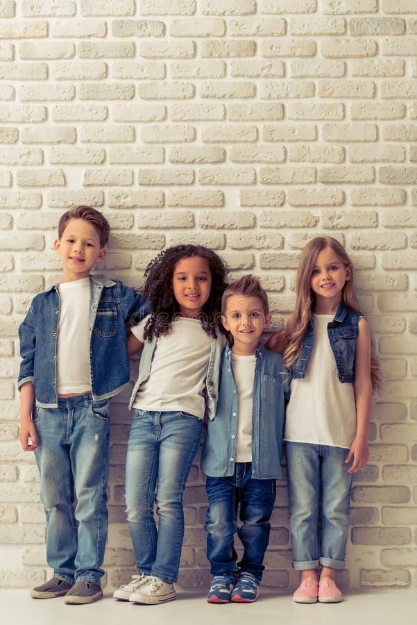 Leuke modieuze kinderen royalty-vrije stock afbeeldingen