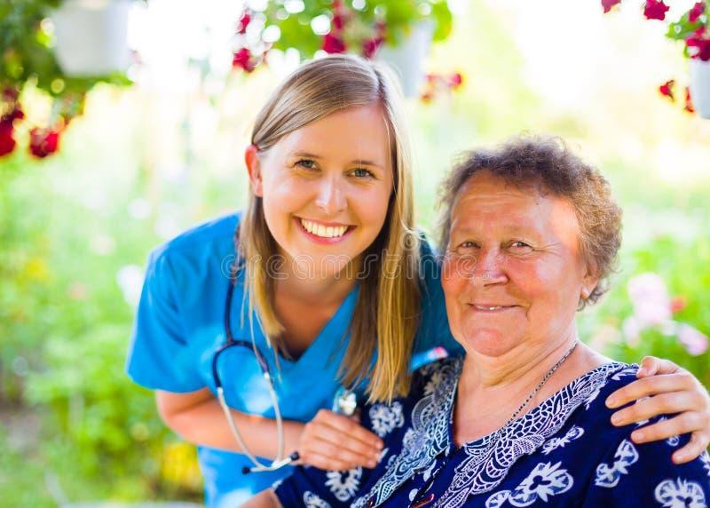 Leuke Patiënt en Verpleegster royalty-vrije stock afbeelding