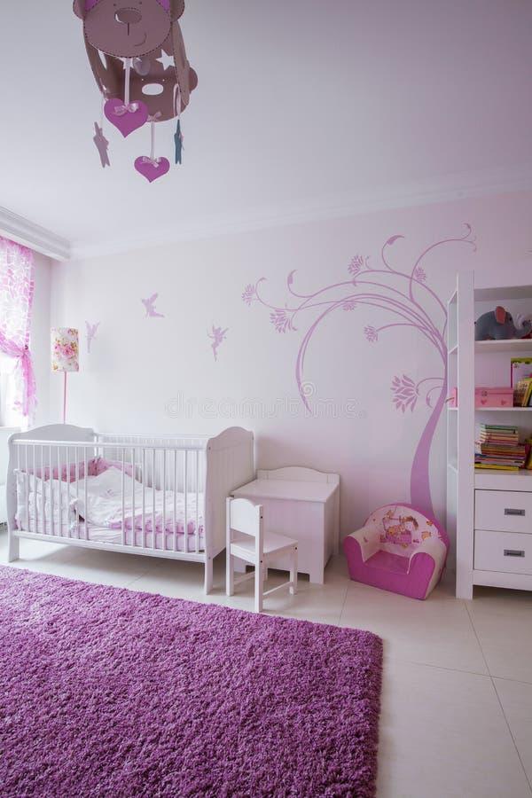 Leuke ruimte voor babymeisje royalty-vrije stock afbeelding