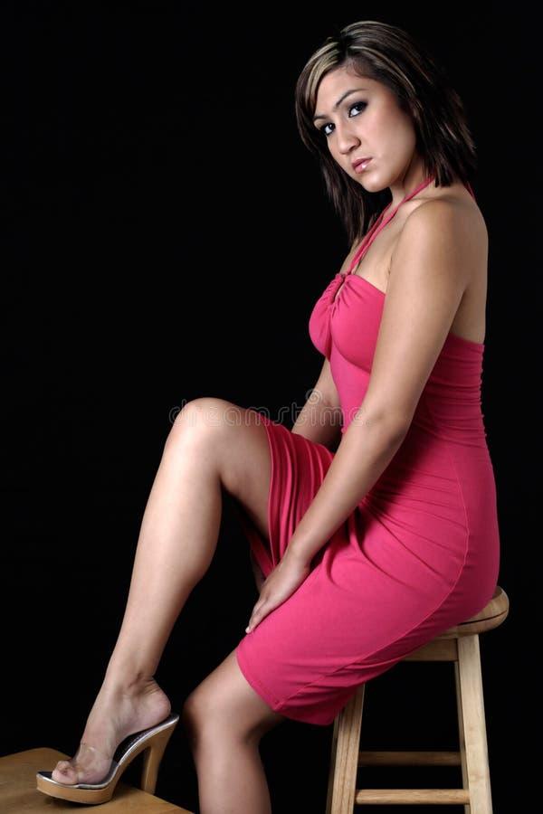 Leuke Vrouw In Sexy Roze Kleding Royalty-vrije Stock Afbeelding