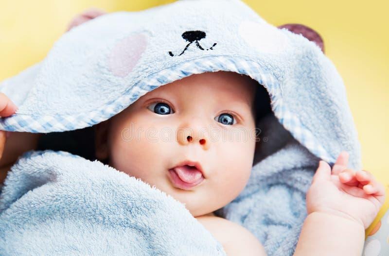 Leukste babykind na bad royalty-vrije stock afbeelding