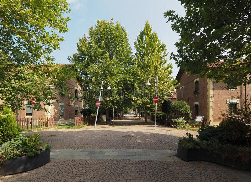 Leumann-Dorf in Collegno stockfotos
