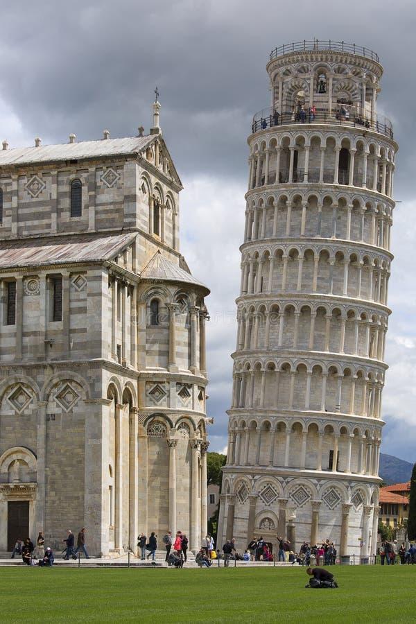 Leunende Toren van Pisa en de Kathedraal van Pisa, Pisa, Itali? royalty-vrije stock fotografie