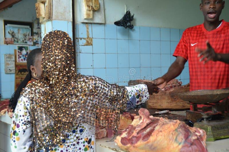 Leute auf Senegal-Markt stockfoto
