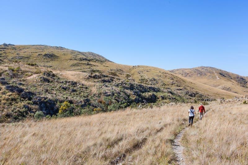 Leute, Die Auf Spuren Von Serra Da Canastra National Park Gehen ...