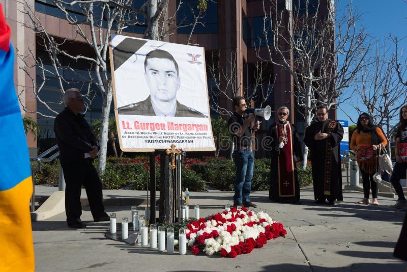 Leute, die am Konsulat von Aserbaidschan zum Gedenken an G protestieren stockfoto