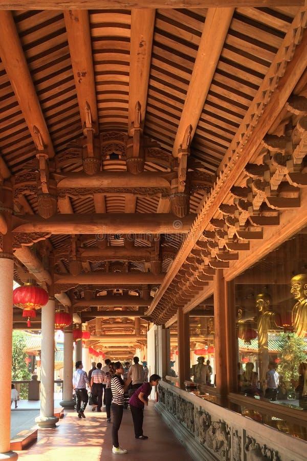 Leute, die an Nanputuo-Tempel in Xiamen-Stadt, China beten lizenzfreies stockbild