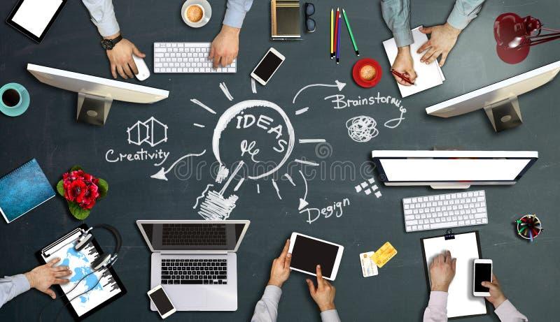 Leute, die Unternehmens- Arbeits-Technolog-Konzept treffen stockfotos