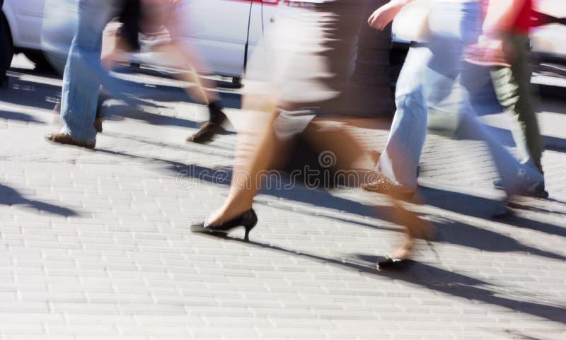 Leute laufen immer stockbilder
