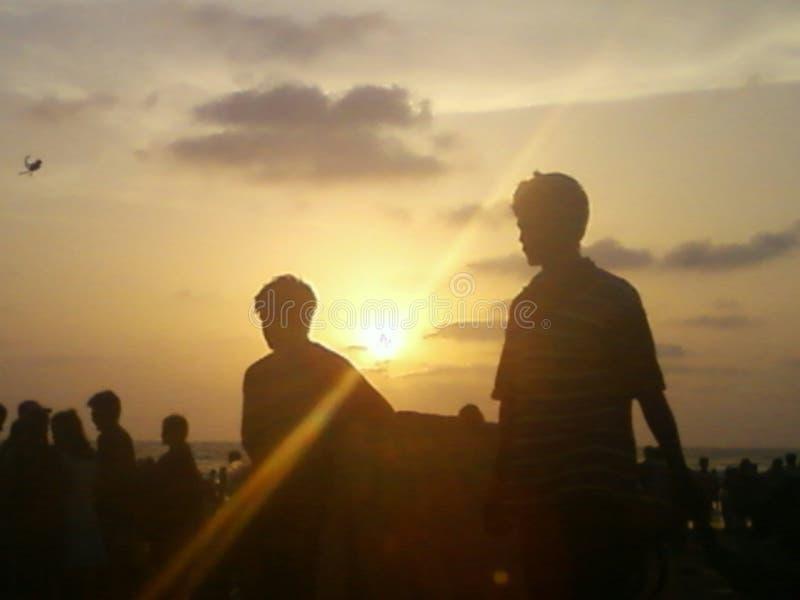 Leute am Strand stockfotografie
