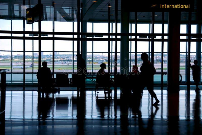 Leuteflughafen stockfotografie