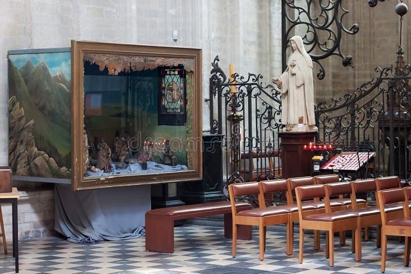LEUVEN, BELGIË - SEPTEMBER 05, 2014: Binnenland van de beroemde St Peter ` s Kerk van Leuven royalty-vrije stock afbeeldingen