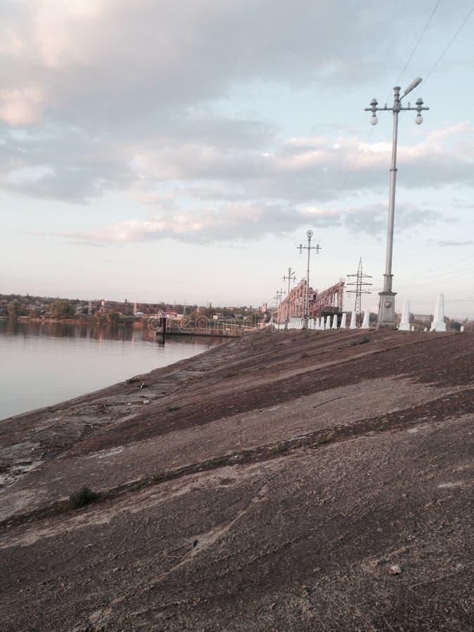 Levée de rivière images libres de droits