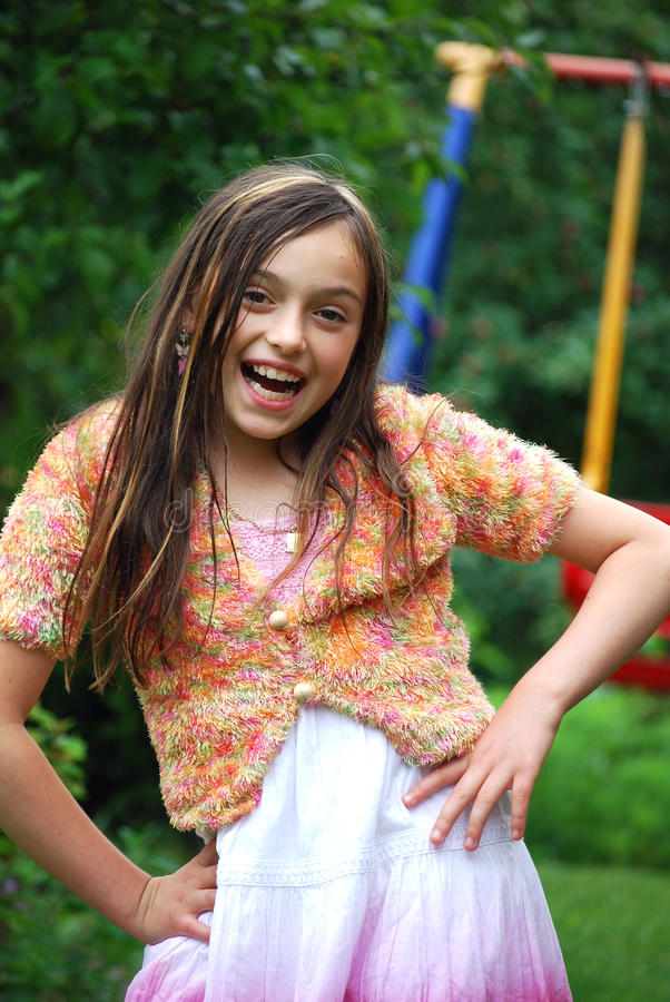 Download Levantamento da menina imagem de stock. Imagem de sorrir - 10050891