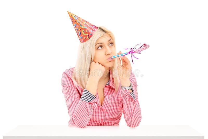 Levantamento fêmea furado do aniversário fotografia de stock royalty free
