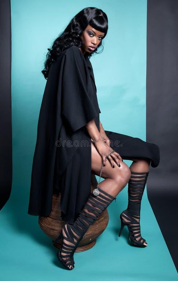 Levantamento modelo do americano africano foto de stock royalty free