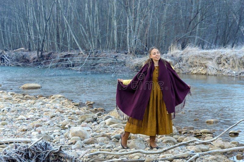 Levantamento no fundo do rio imagem de stock royalty free