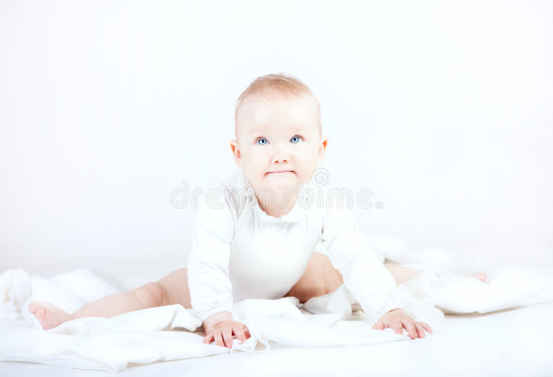 Levantamento pequeno do bebê fotos de stock royalty free