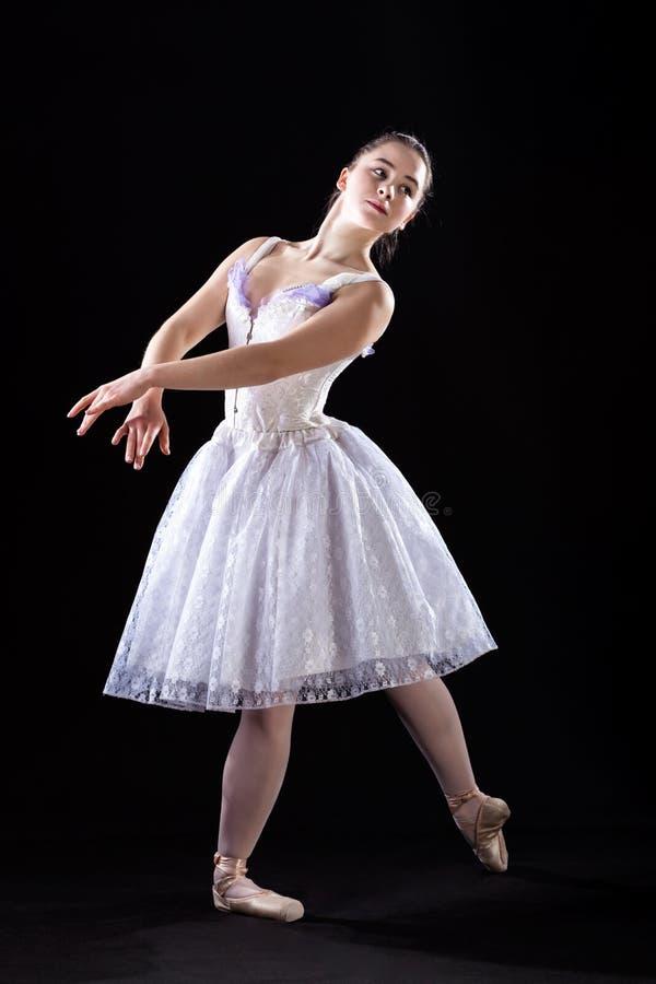 Levantando o dançarino de bailado foto de stock royalty free