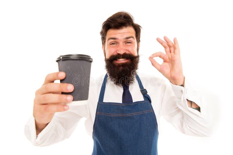 Leve embora Barista preparou o café para você Apreciando o caf? fresco Tome o copo do café fresco para ir Posse farpada do homem imagem de stock royalty free