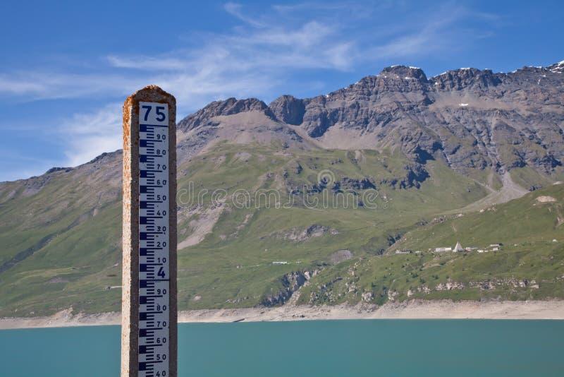 level mätningsvatten för fördämning royaltyfri bild