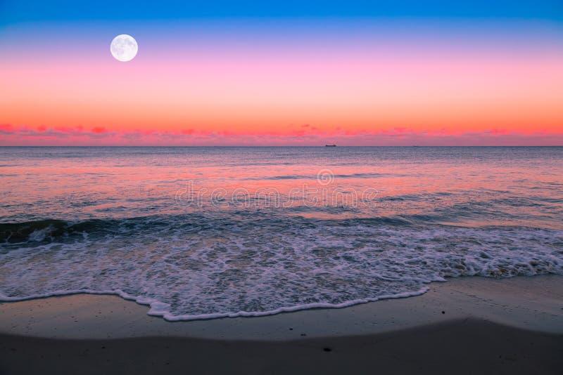 Lever de la lune image libre de droits