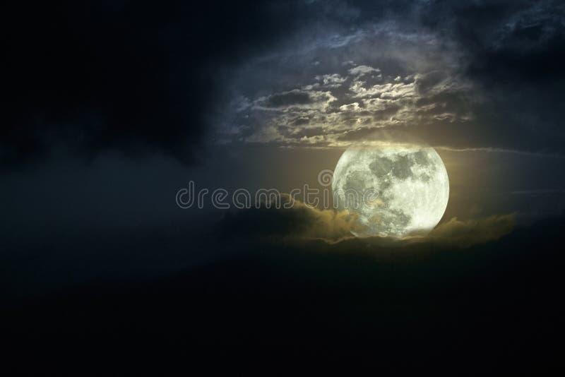 Lever de la lune image stock
