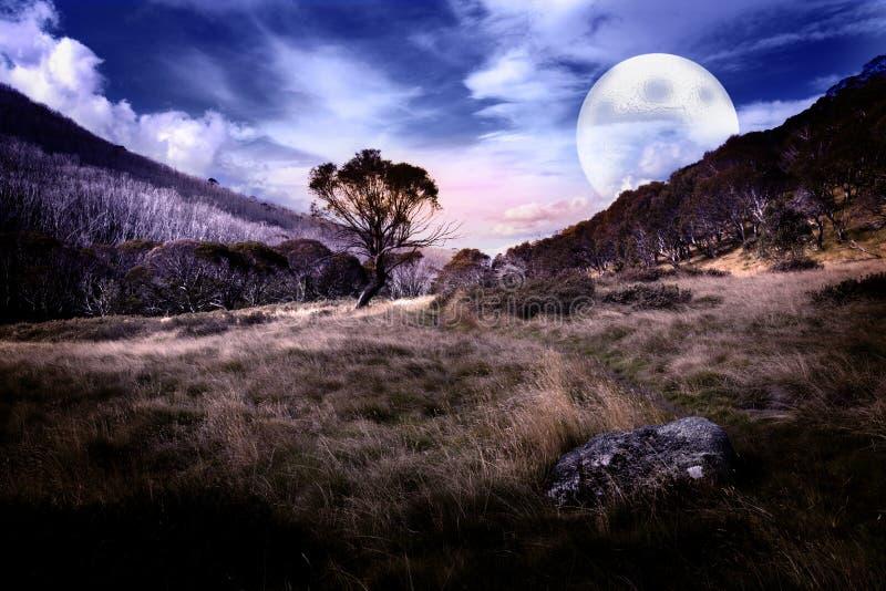 Lever de la lune mystique image libre de droits