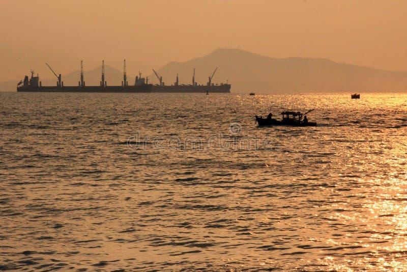 Lever de soleil à la mer image libre de droits