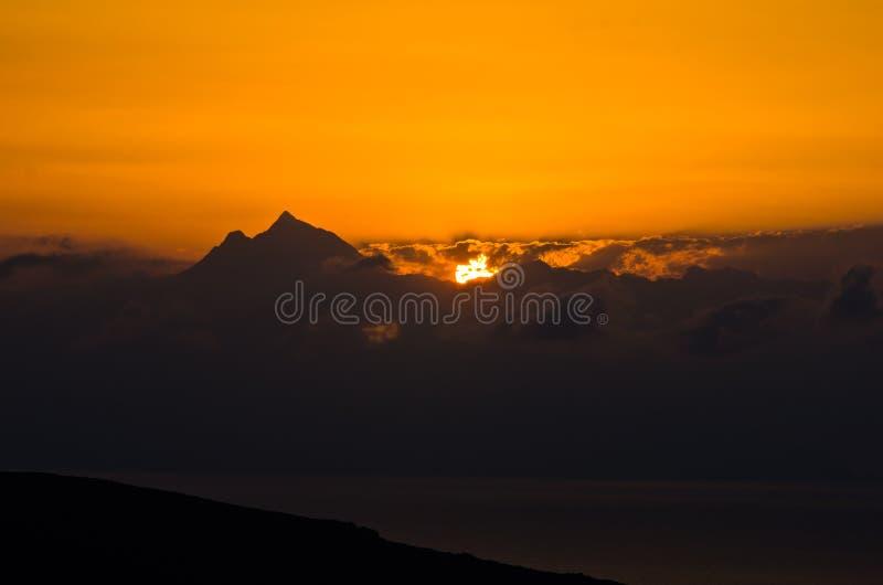Download Lever De Soleil à La Montagne Sainte Athos Dans Chalkidiki Image stock - Image du beauté, élévation: 45372389