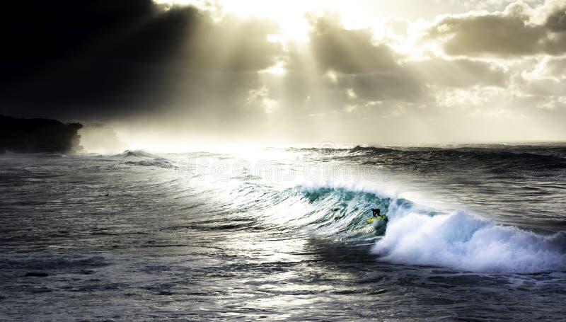 Lever de soleil à la plage Sydney Australia de Bronte pendant la pluie image libre de droits