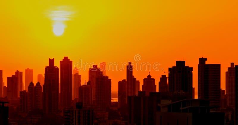 Lever de soleil à la ville photographie stock