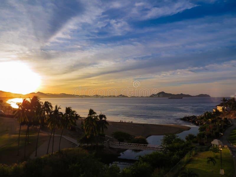 Lever de soleil à Manzanillo photographie stock